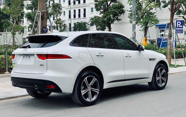 Mới lăn bánh 868 km, Jaguar F-Pace R-Sport đã bị đại gia Việt bán vội với giá trên 4 tỷ đồng - Ảnh 8.