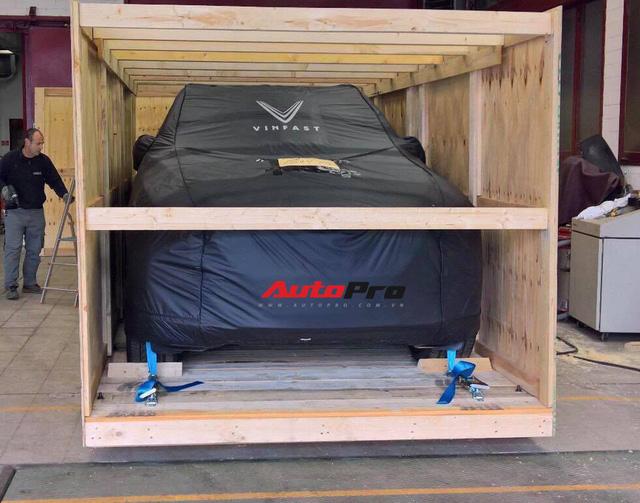 VinFast Lux SA2.0 lần đầu tiên xuất hiện tại Việt Nam - Ảnh 3.