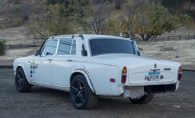 Xe siêu sang Rolls-Royce độ như xe phế liệu, dùng hộp số Ford, vành Porsche - Ảnh 5.