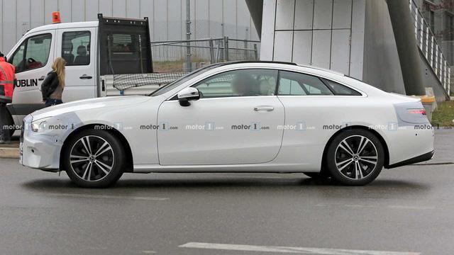Lộ diện Mercedes-Benz E-Class sedan mới chạy thử trong thời tiết khắc nghiệt - Ảnh 4.