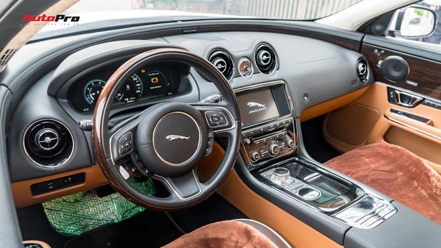 Kén khách, Jaguar XJL hạ giá hơn 1 tỷ đồng chỉ sau 20.000km để tìm chủ mới - Ảnh 6.