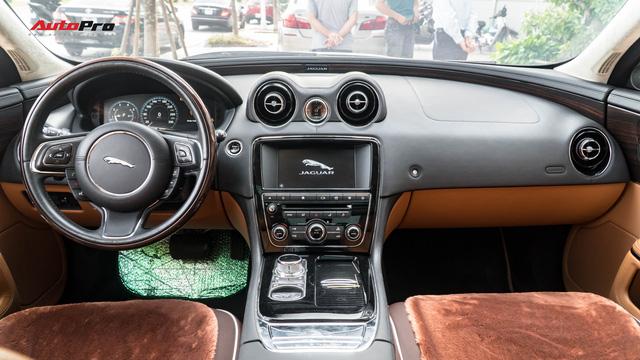 Kén khách, Jaguar XJL hạ giá hơn 1 tỷ đồng chỉ sau 20.000km để tìm chủ mới - Ảnh 8.