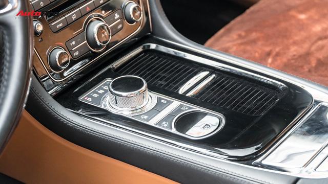 Kén khách, Jaguar XJL hạ giá hơn 1 tỷ đồng chỉ sau 20.000km để tìm chủ mới - Ảnh 11.