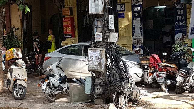 Thanh niên 15 tuổi trộm Hyundai Accent của bố đi chơi gây tai nạn liên hoàn tại Hà Nội - Ảnh 3.