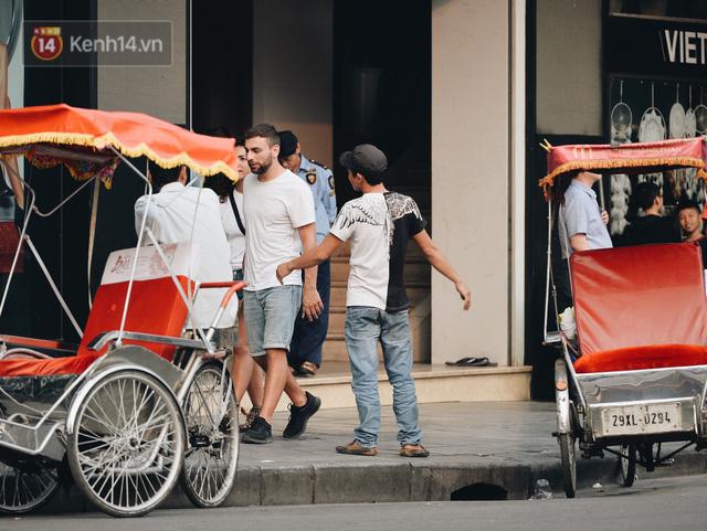 Dành 1 ngày vi vu Hà Nội: Chọn xích lô, ô tô điện hay buýt 2 tầng để tham quan Thủ đô? - Ảnh 4.