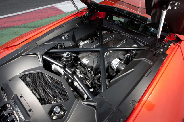 Aventador thế hệ mới đánh dấu kỷ nguyên V12 hybrid cho Lamborghini - Ảnh 2.