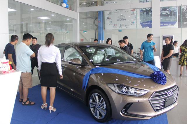 Hyundai Elantra 2019 sắp ra mắt tại Việt Nam: Hãng nói không, đại lý nói có - Ảnh 3.