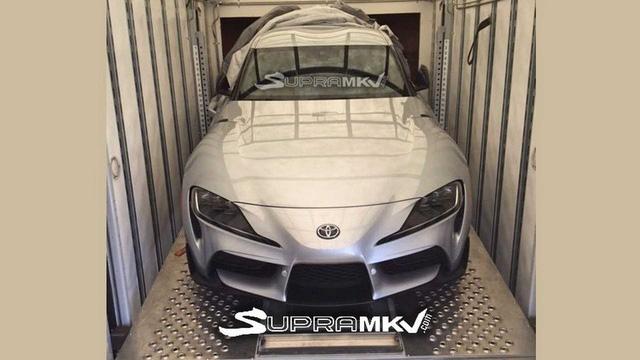 Toyota Supra lộ đuôi xe hoàn thiện trong quá trình vận chuyển - Ảnh 1.