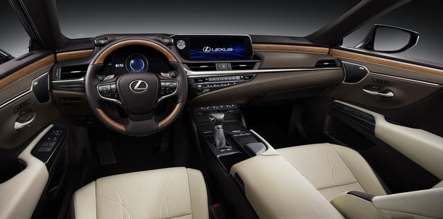Ra mắt Lexus ES 250 giá 2,5 tỷ đồng đấu Mercedes-Benz E-Class tại Việt Nam - Ảnh 7.