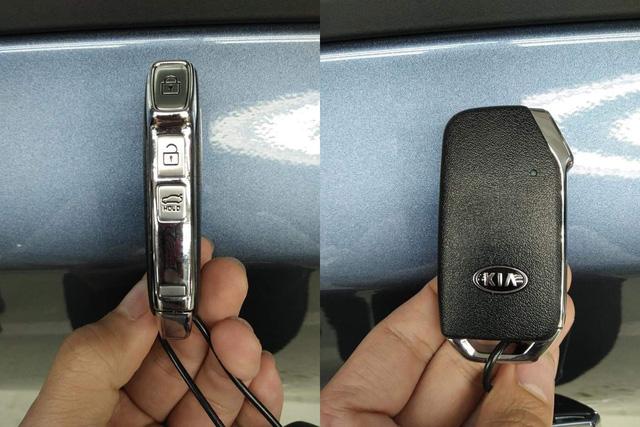 Lộ ảnh chi tiết nội, ngoại thất 2 phiên bản Kia Cerato 2019 tại đại lý trước ngày ra mắt - Ảnh 14.