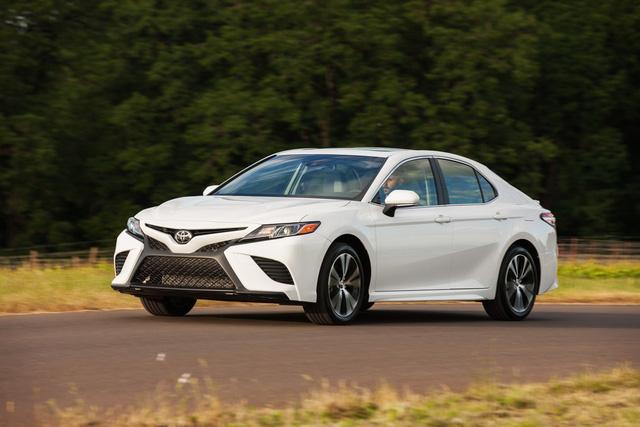 Đây là 10 mẫu sedan bán chạy nhất nước Mỹ trong năm 2018 - Ảnh 1.