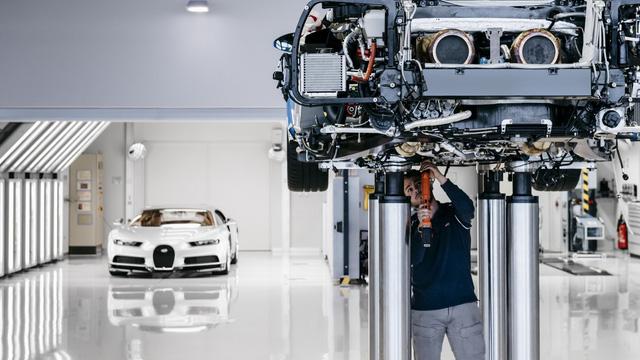 Cùng Shmee150 khám phá nhà máy sản xuất siêu xe Bugatti Chiron - Ảnh 17.