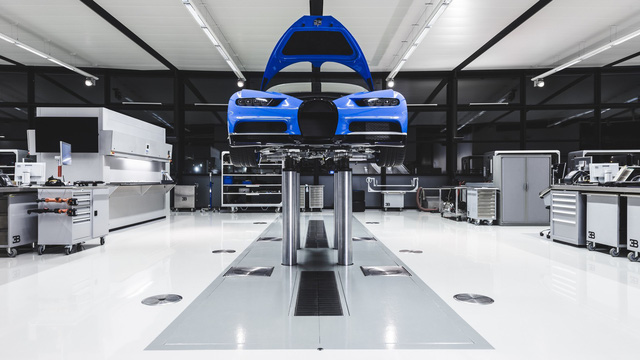 Cùng Shmee150 khám phá nhà máy sản xuất siêu xe Bugatti Chiron - Ảnh 2.