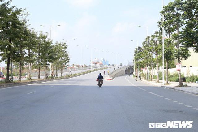 Ảnh: Cận cảnh phố 8 làn xe ở Hà Nội mang tên nhà tư sản Trịnh Văn Bô - Ảnh 10.