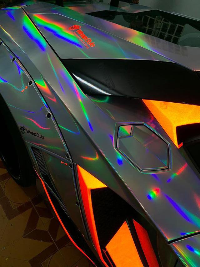 Lamborghini Aventador độc nhất Việt Nam đổi màu 7 sắc cầu vồng - Ảnh 4.