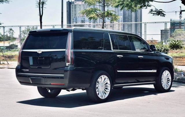 Cadillac Escalade ESV Platinum 30.000 km rao bán với giá hơn 6 tỷ đồng - Ảnh 5.