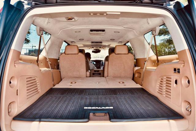 Cadillac Escalade ESV Platinum 30.000 km rao bán với giá hơn 6 tỷ đồng - Ảnh 8.