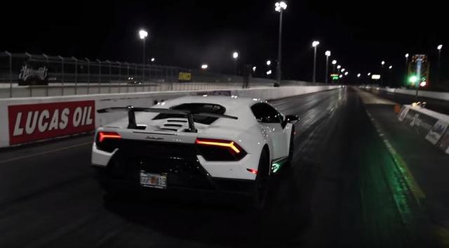 Tay đua 17 tuổi thiết lập kỷ lục tốc độ với Lamborghini Huracan Performante - Ảnh 1.