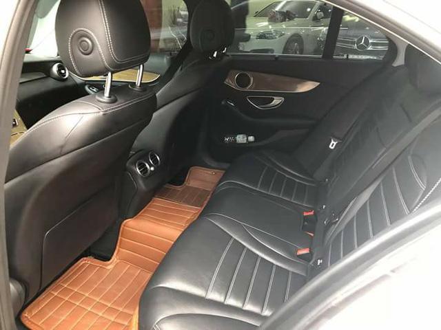 Mercedes-Benz C250 Exclusive cũ có giá ngang BMW 320i mới của Trường Hải - Ảnh 9.