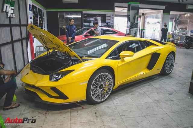 Lamborghini Aventador S 40 tỷ đi làm đẹp dịp Tết
