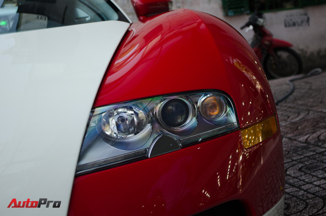 Bugatti Veyron độc nhất Việt Nam bất ngờ ra phố tắm nắng trước thềm năm mới - Ảnh 3.