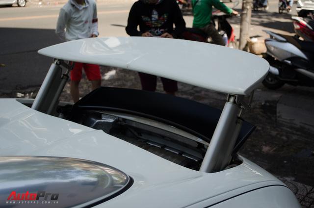 Bugatti Veyron độc nhất Việt Nam bất ngờ ra phố tắm nắng trước thềm năm mới - Ảnh 8.