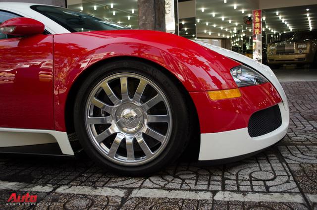 Bugatti Veyron độc nhất Việt Nam bất ngờ ra phố tắm nắng trước thềm năm mới - Ảnh 5.