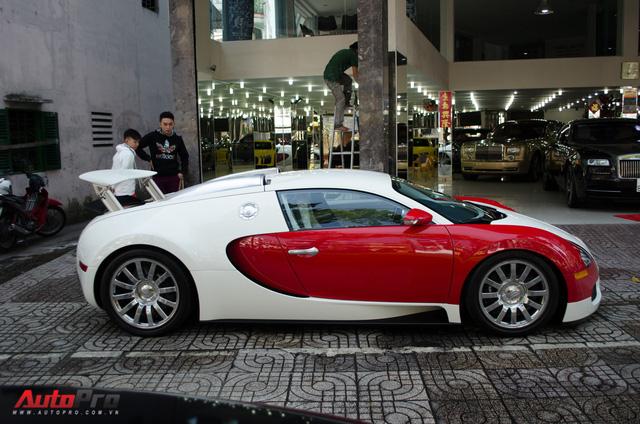 Bugatti Veyron độc nhất Việt Nam bất ngờ ra phố tắm nắng trước thềm năm mới - Ảnh 4.