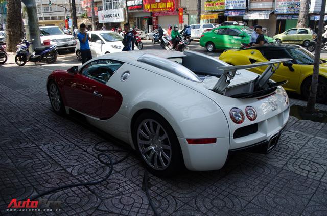 Bugatti Veyron độc nhất Việt Nam bất ngờ ra phố tắm nắng trước thềm năm mới - Ảnh 6.