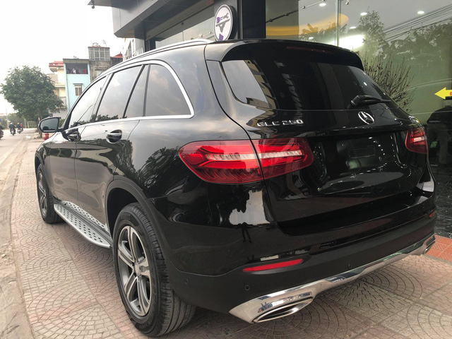 Mercedes-Benz GLC 250 lăn bánh 17.000km rao bán lại giá hơn 1,7 tỷ đồng - Ảnh 2.
