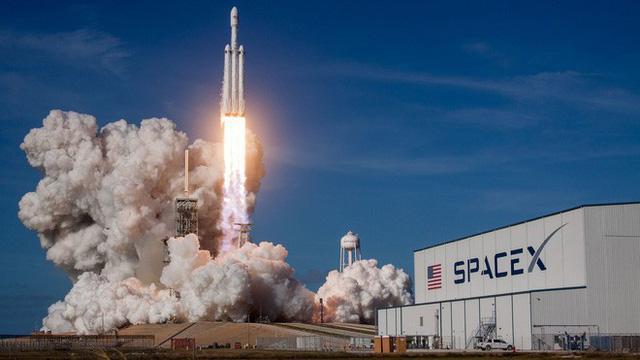 Trên chiếc Tesla mà Elon Musk vừa phóng lên Vũ trụ, có một kiện hàng bí mật có thể tồn tại cả tỷ năm - Ảnh 4.