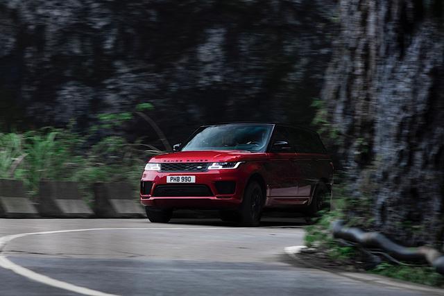Vượt 999 bậc thang dốc 45 độ, Range Rover Sport chinh phục núi Thiên Môn - Ảnh 2.