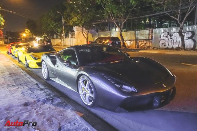 Dàn siêu xe của đại gia Sài Gòn xuống phố đêm 28 Tết - Ảnh 9.