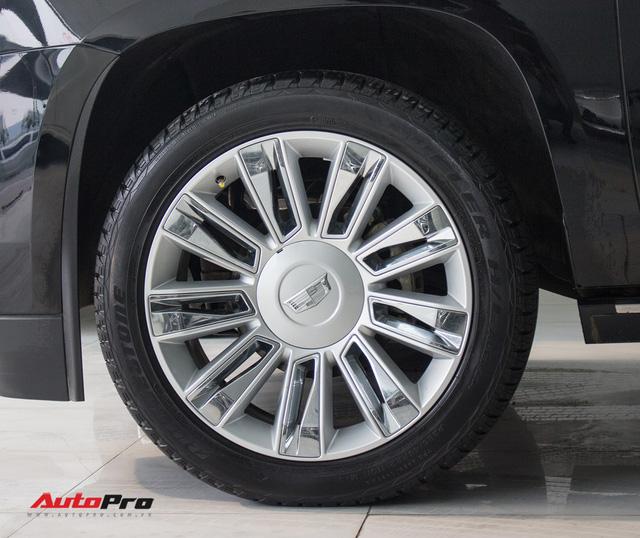 Cadillac Escalade ESV Platinum đi 8.000km bán lại được bao nhiêu? - Ảnh 11.