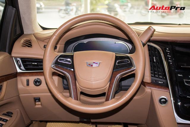 Cadillac Escalade ESV Platinum đi 8.000km bán lại được bao nhiêu? - Ảnh 23.