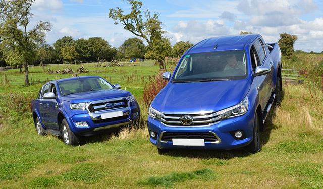 Nghịch lý bán tải ASEAN và Việt Nam: Ford Ranger thất thế trước Toyota Hilux và Isuzu D-Max - Ảnh 2.