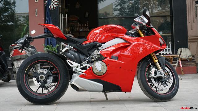 [Video] Mục sở thị siêu mô tô Ducati Panigale V4 S giá ngang Mẹc GLA của biker Hà Nội - Ảnh 21.