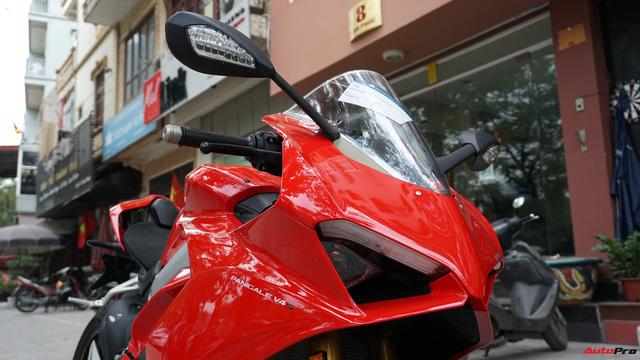 [Video] Mục sở thị siêu mô tô Ducati Panigale V4 S giá ngang Mẹc GLA của biker Hà Nội - Ảnh 3.