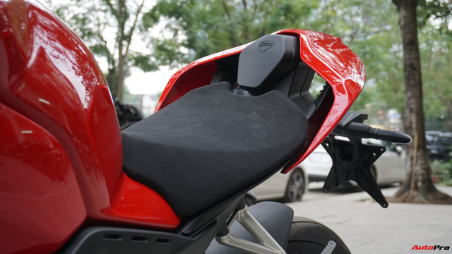 [Video] Mục sở thị siêu mô tô Ducati Panigale V4 S giá ngang Mẹc GLA của biker Hà Nội - Ảnh 17.