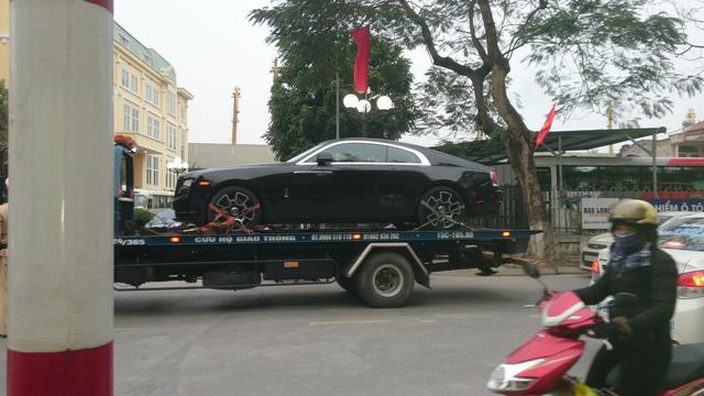 Siêu phẩm Rolls-Royce Wraith Black Badge đầu tiên về Việt Nam - Ảnh 11.