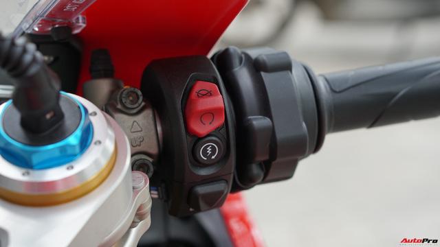 [Video] Mục sở thị siêu mô tô Ducati Panigale V4 S giá ngang Mẹc GLA của biker Hà Nội - Ảnh 5.