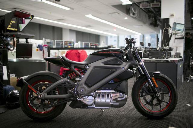 Harley-Davidson chạy điện: Còn đâu tiếng pô thần thánh? - Ảnh 2.