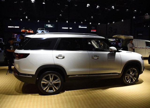 Thêm một mẫu xe Trung Quốc na ná Range Rover có thể về Việt Nam trong năm nay - Ảnh 5.