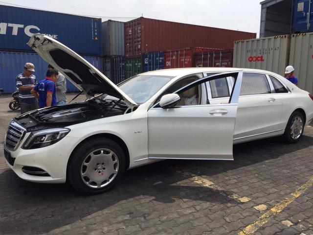 Limousine siêu sang Mercedes-Maybach S600 Pullman đầu tiên về Việt Nam - Ảnh 3.