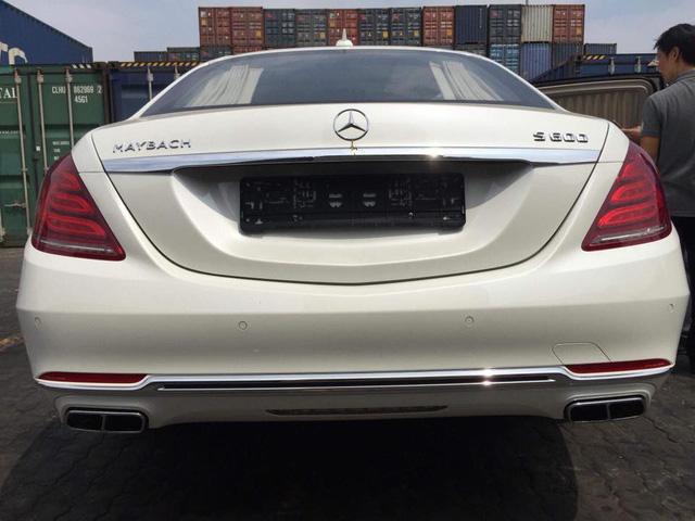 Limousine siêu sang Mercedes-Maybach S600 Pullman đầu tiên về Việt Nam - Ảnh 2.