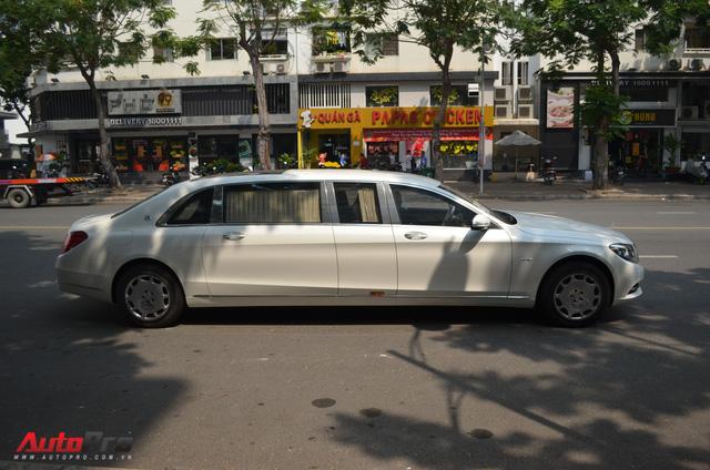 Vừa thông quan, Mercedes-Maybach S600 Pullman đầu tiên Việt Nam đã lượn phố - Ảnh 11.
