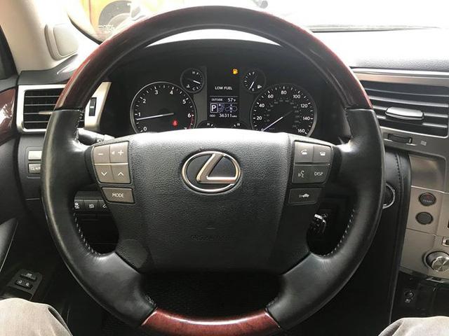 Đi 5 năm gần 6 vạn km, Lexus LX570 bán lại vẫn được giá 4,3 tỷ đồng - Ảnh 8.