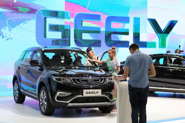 Geely muốn nắm cổ phần lớn nhất trong công ty mẹ của Mercedes-Benz - Ảnh 1.
