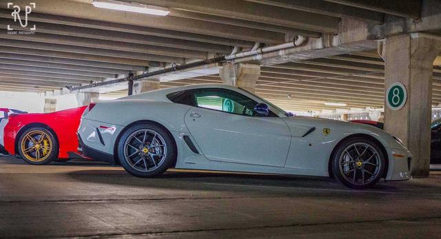 Dàn siêu xe khủng bị phủ bụi, nằm chờ trong garage - Ảnh 17.