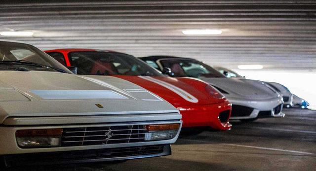Dàn siêu xe khủng bị phủ bụi, nằm chờ trong garage - Ảnh 19.